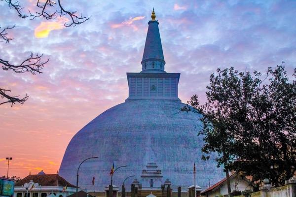stupa-707569_1920